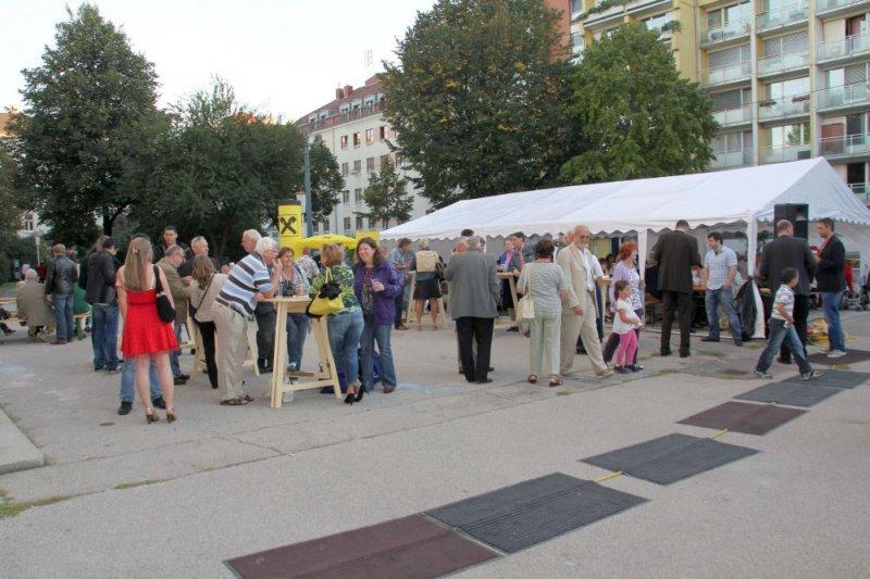 oaeabb-bieranstich-2011-uebersichtsfoto