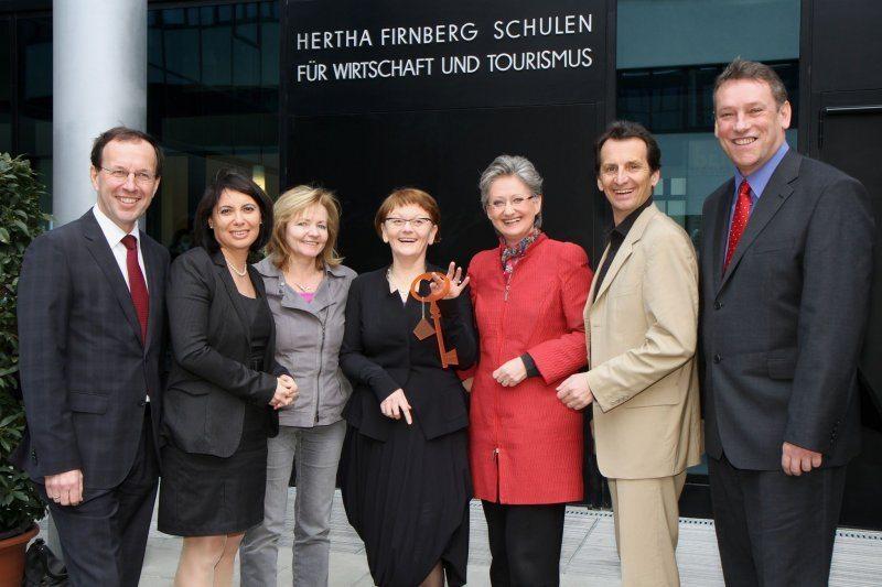 Eröffnung der Hertha-Firnberg Tourismusschule mit StR. Christian Oxonitsch