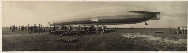 Landung auf dem Flugfeld in Aspern.