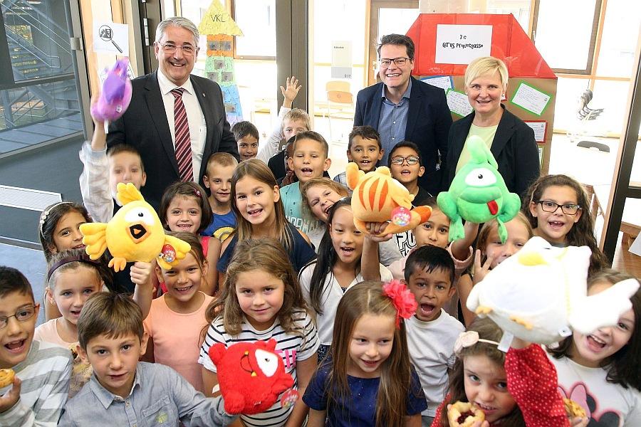 Feierliche Eröffnung der Ganztagsvolksschule Pirquetgasse 6b mit der Amtsführenden Stadträtin Sandra Frauenberger.