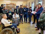 SWV-Donaustadt und der Bezirksvorsteher Ernst Nevriv übergeben Spende